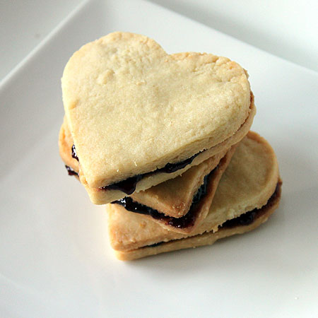 Shortbread Cookies with Blueberry Jam