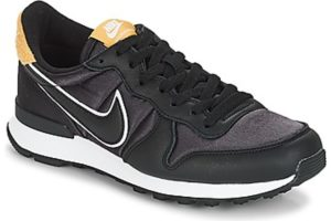 nike internationalist womens black black trainers womens
