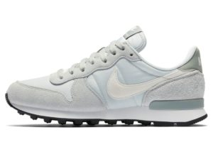 nike-internationalist-womens-silver-828407-025-womens-silver-trainers