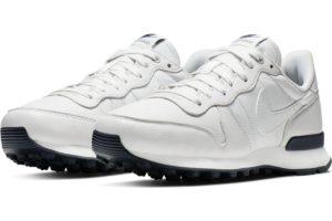 nike-internationalist-womens-silver-828404-018-silver-sneakers-womens