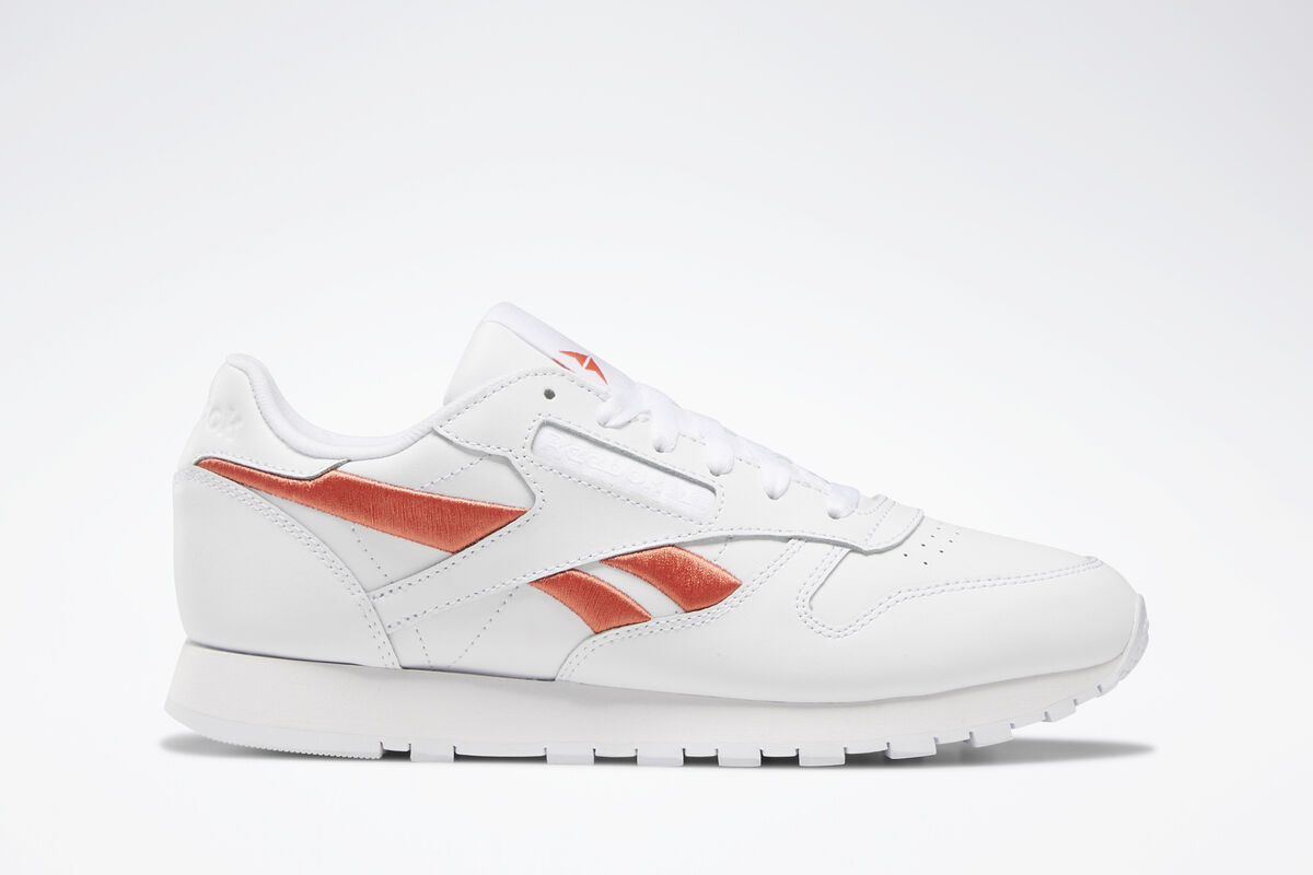 1266409afbfa reebok-classic leather-Women-white-DV8169-white-trainers-womens