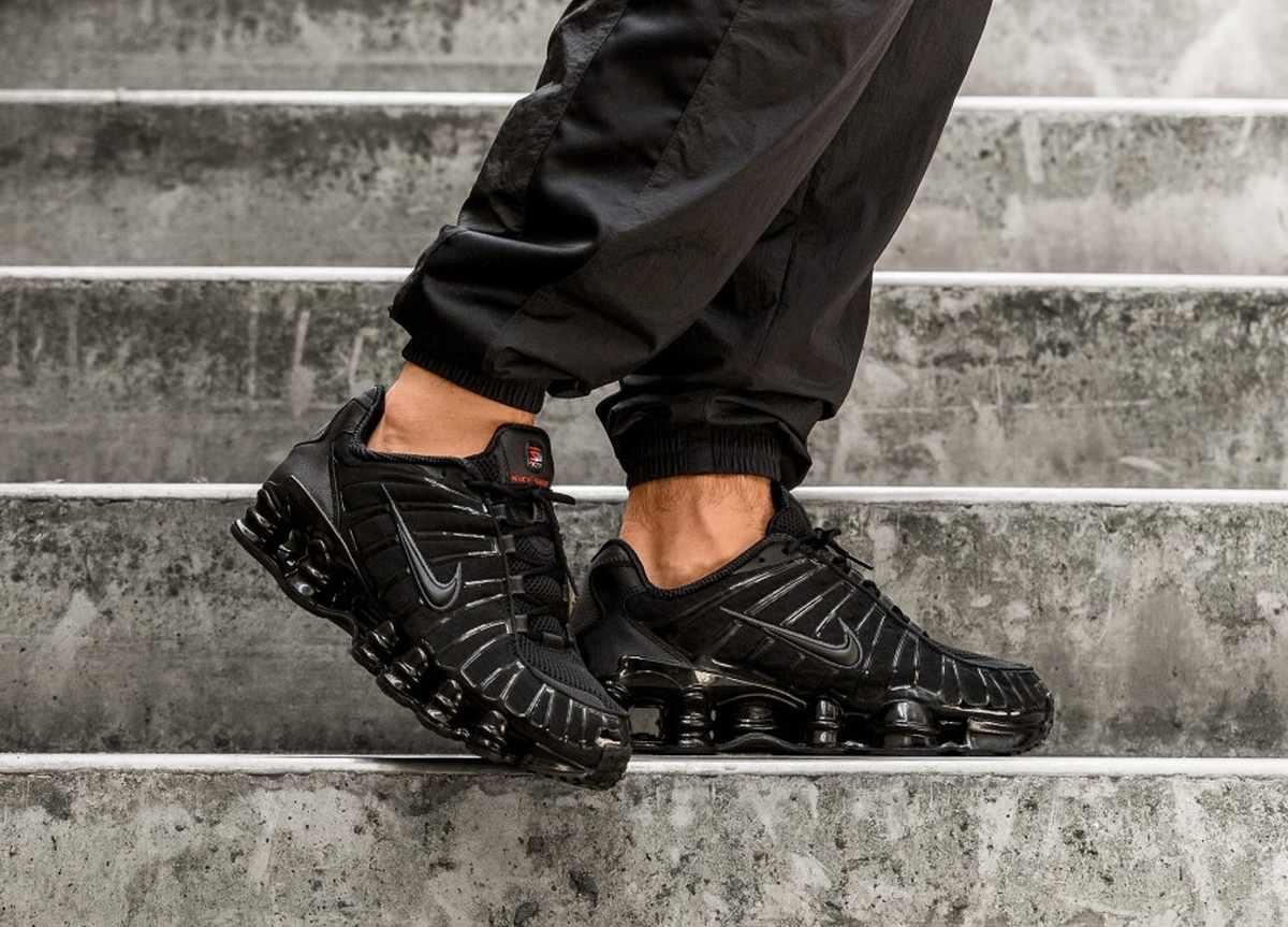 Nike Shox Mens Black Av3595 002