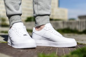 Review: Nike Air Force 1 07, a white classic