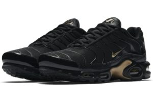 nike-air max plus-mens-black-852630-022-black-trainers-mens