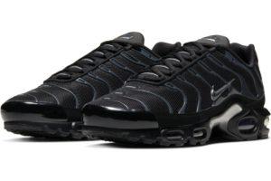 nike-air max plus-mens-black-852630-042-black-trainers-mens