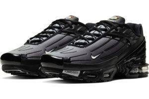nike-air max plus-mens-black-cj9684-002-black-trainers-mens