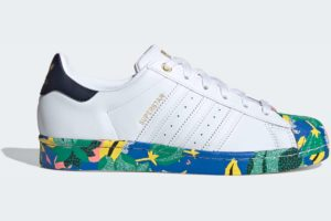 adidas-superstars-womens-white-FW2526-white-trainers-womens