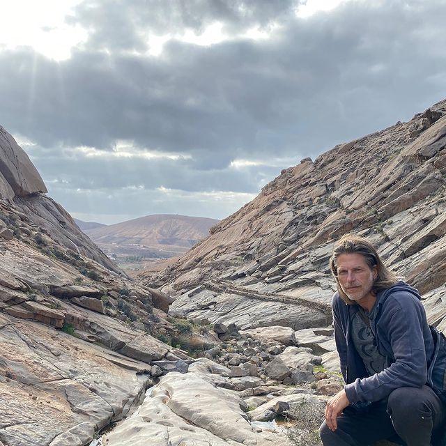 Fuerteventura you keep on amazing me!!! Best spring hike ever 😉#fuerteventura #hiking #sundayfunday #fuerteventuralovers #canaryislands #landscape #naturelovers #amazingplaces #beautifuldestinations #sungazing #sunsetlovers