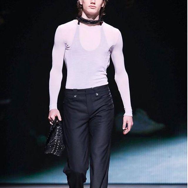 Amazing show for @thewoolmarkcompany @ludovicdesaintsernin @troyfuss ✨✨ #lfw #london #fashion #fashionweek #londonfashionweek #model #show #malemodel