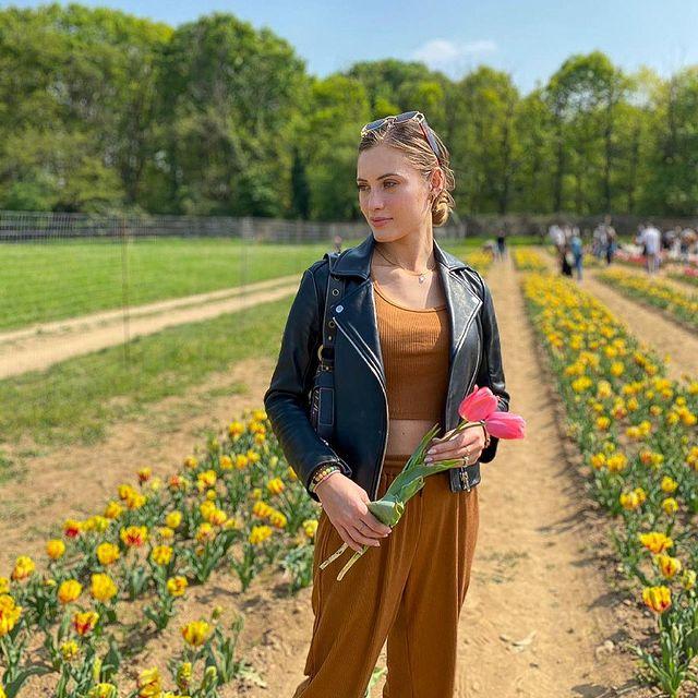 flower picking 🌷#tulipaniitaliani 🌷