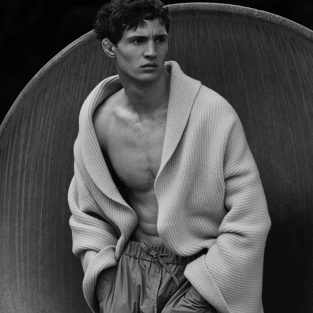 For the cover story of @clientmagazine by @sergiponsphoto and styled by @miguel_padial_