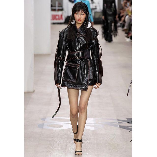 Weiwei牛薇薇 On Off Presents... London Fashion Week @eseemodel_official  @milkmodelmanagement  @michelle_mengting  @radekkantor