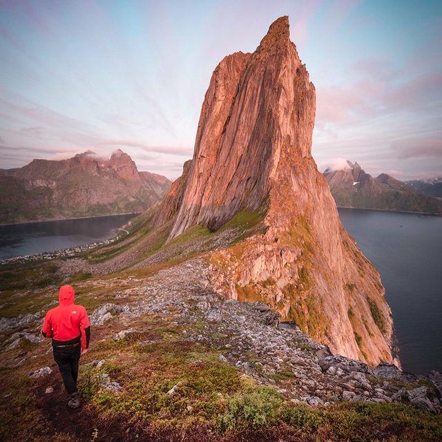 - MAGIC -  #senja #visitsenja #lofoten #northernnorway #norway #view #mountains #sunset #cliffs #visualsofearth #nikon #nikoneu #natgeoyourshot #wanderlust #lensbible #landscape #photography #colours #mountaintop #modernoutdoors #theglobewanderer #outdoors
