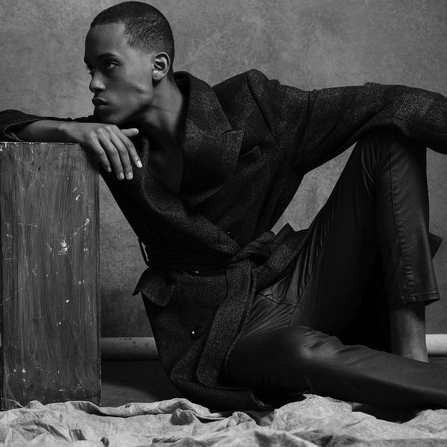 ... 🖤  #shooting #modelephoto #photographer #blackmodel