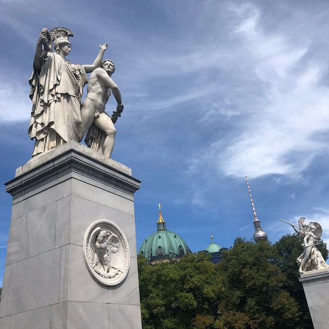 Athena leads the young warrior into battle, and Warrioress by Albert Wolff 🕊 Lustgarten Berlin.