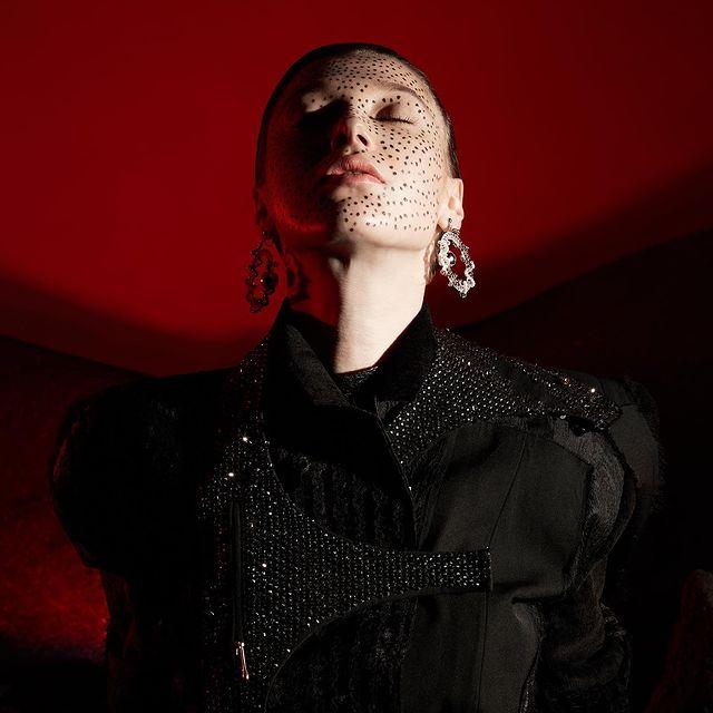 NEWBORN (@sickymag ) Photographer  LU PENG  Styling  XUXU  Make up & Hair  LUANJIE XIONG Model  VEE(Modernmodels) Collection  BAN XIAOXUE/ ANNAKIKI / Yiwei Wu Accessories|才华有限协会