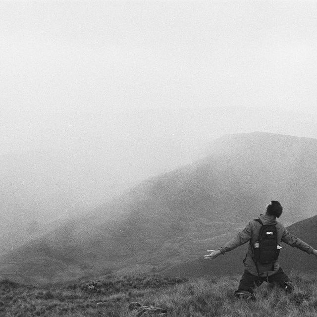 This photo was taken on a helluva hike w/ @anders_hayward & @joshfspear to Helvellyn in summer ... and yeah, pretty well sums up feelings RN. 📸: @anders_hayward
