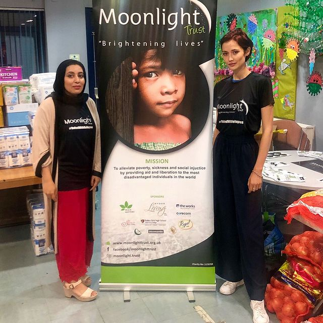 Many thanks to friends & family of @moonlight.trust for making my visit to Leeds so special @nousheen_raja @faz_ali21 @jackiedarnbrough @gulfamasif I so enjoyed connecting and being continuously motivated and inspired by your work 🤗 Since I got acquainted with Moonlight Trust in a Palestinian refugee camp back in 2016, our collaboration has been incredibly rewarding for me personally and offered many learning opportunities through supporting MTs efforts in a number of areas.  @moonlight.trust provides relief for persecuted refugees across Turkey, France, Greece, Palestine and Pakistan, mentoring and employability skills to underprivileged women, and is currently delivering aid packages in response to Covid throughout the UK. Check out @theyorkshirepost new article-> #unitedwithrefugees #moonlighttrust #ukcharity #keepsupporting