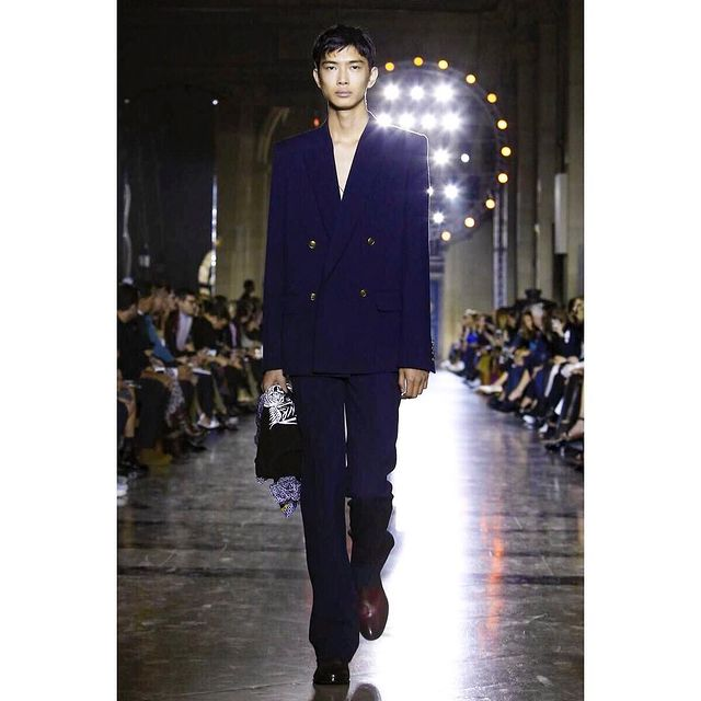 Amazing show!!! Givenchy!!! Thank you so much for having me!!!@givenchyofficial @clarewaightkeller @pg_dmcasting  @samuel_ellis  #PFW #fashionweek #givenchy  #ss18 #menswear #mensfashion #fashion #runway #liyufeng #mademyday