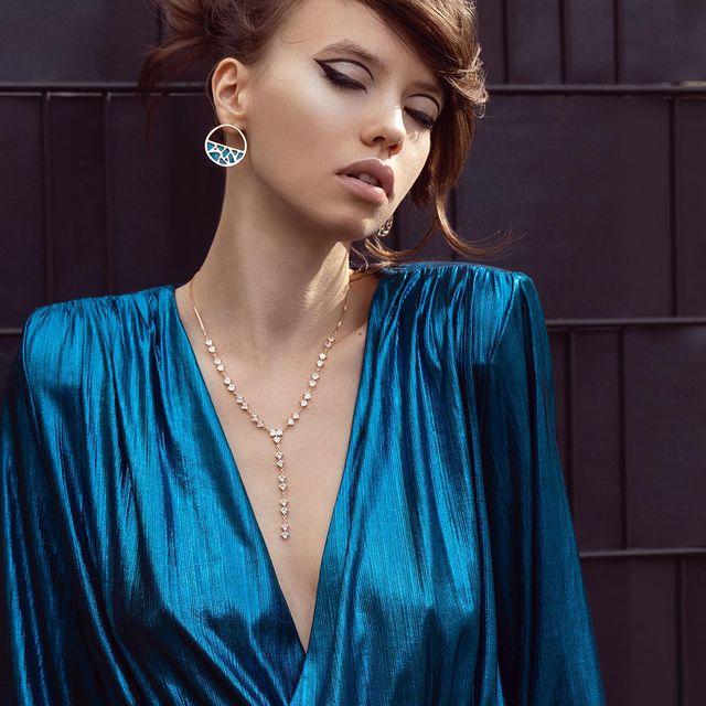 Out now @cosmopolitanhungary ✨ . @izaio.modelmanagement  @tanjatremel  @carstenrichert  @_________mimi_