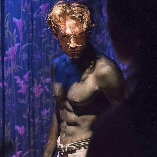 Locked Monster inside #cinema #lost #actor  @mariacamilacifuentes_ @rosa.lila.pink @desir.solitude.honte
