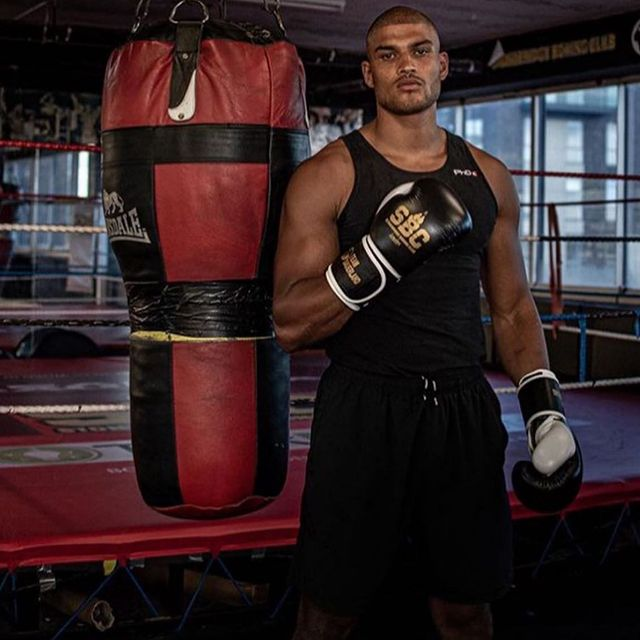 Make sure to tune into #fightingfixx tomorrow morning 10am live workout! Make sure to follow @boxxer now and hit that notifications button to stay updated   We also have top prospect @archie_sharp tomorrow and a special guest also.   See you there 10am #fightingfixx @stonebridgeboxingclub @blackstone_sports_management_