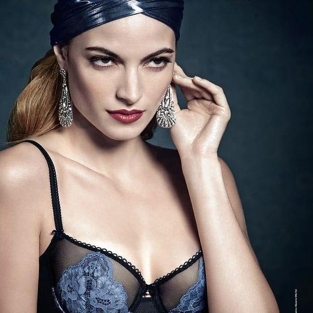 Comme un air... De zèbre ! 😂  #aubade #model #woman and #zebra #redhair ... me for @aubadeparis