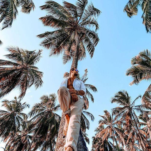 Maraca Style by  @originalrafa  Thank you brother   using repost_now_app - Meu primeiro trabalho fotografando um Modelo Internacional 📸 @thomazdeoliveira e eu, trabalhamos juntos na @fab_oficial 🦅e na sua última passagem pelo Brasil 🇧🇷 criamos conteúdos incríveis 📸📽que serão postados ao decorrer do ano de 2021 #fotografia #appleiphone #malemodel #model #france #brazil #maracaipe #portodegalinhas #friends #friendshipgoals #amigos #fotocomcelular