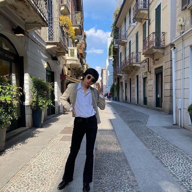 Found out a good vintage jacket!  #italy #milan #model #asian #japanese #malemodel #asianmodel #japanesemodel #asianlivesmatter #fashion #vintage