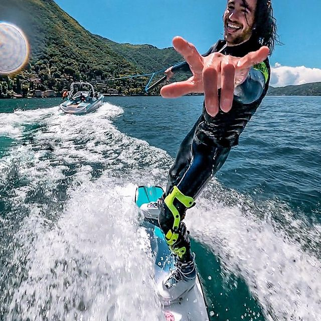 Wake&friends 🤟🏻  Had so much fun yesterday, thanks to @wakeboardlakecomo for the great day ☀️ @federesega 📹