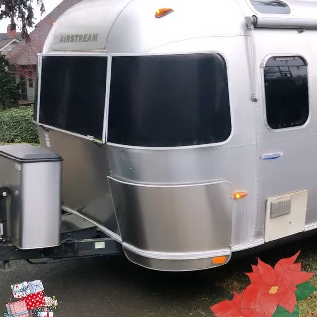 Moving home?... Or home moving... Meet my new trailer S.S. Sahalee!!! This is so exciting for me to have a home of my own after so long on the road (haha). Wishing y'all happy holidays!🎄