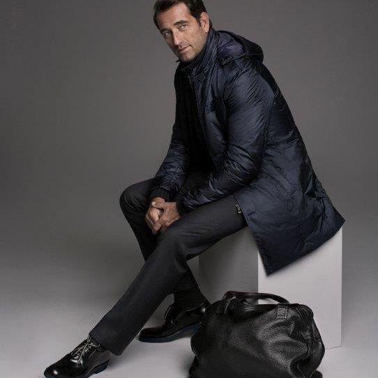 #fashion #bag #leatherbag #winterjacket #studio #studiophotography #malemodel #shooting #russia