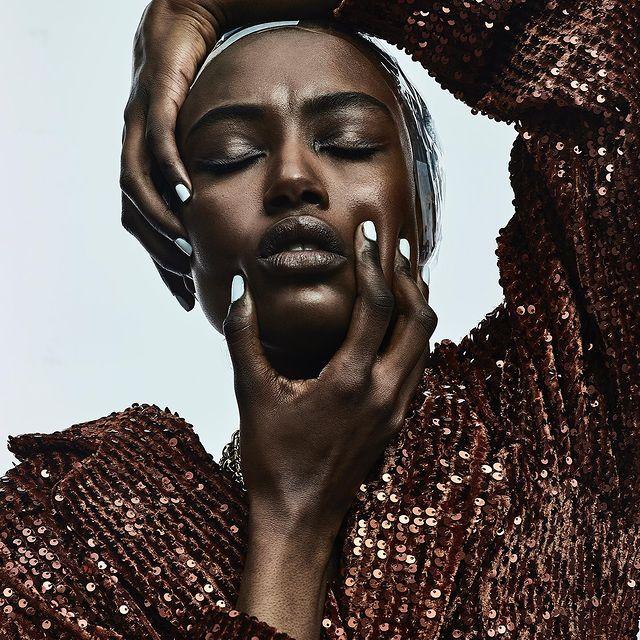 Cosmic girl 🪐  By @laurence_laborie  @christian_ritz_biyiha  @lesliedumeix.mua