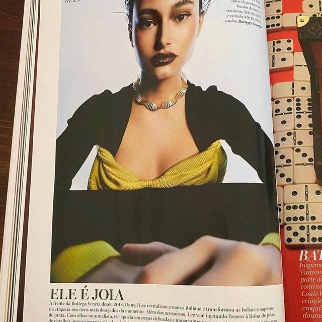 . @voguebrasil Nov '20 💪🏼 mais um orgulho meu !! Só gratidão por mais um trabalho e dessa vez, especial ❤️ (agora só falta cover né mores ahahah ansiosa ...)  . . . #voguebrasil #modellife #love #magazine #saopaulo #brazil #tb