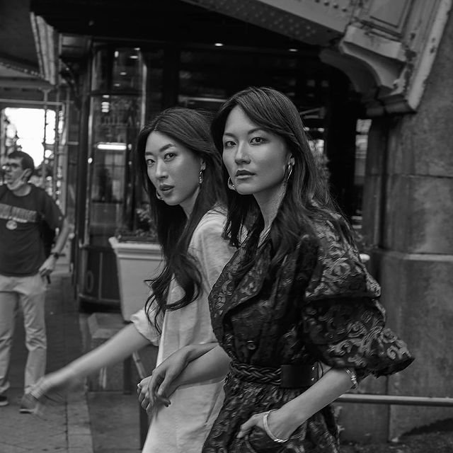 Ji and I striding through NYC 🖤 I love this series & concept by @sirdrakemasters as these images not only capture us walking through the city with confident and pride, they also show our friendship and joy for one another. As facing tough times, we need our friends, our community, each other to make us stronger. We strive as Asians, and as people. With @iloverockstar02  MUA @jazminraemua  Stylist @iamyoko.j