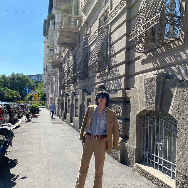 Looking for a park to play volleyball   #italy #milan #model #asian #japanese #malemodel #asianmodel #japanesemodel #asianlivesmatter #fashion #vintage