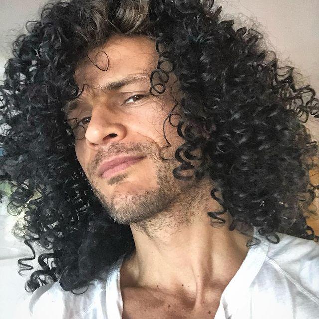 When you find @drwundervoll 's wig box…:) #gunsnroses