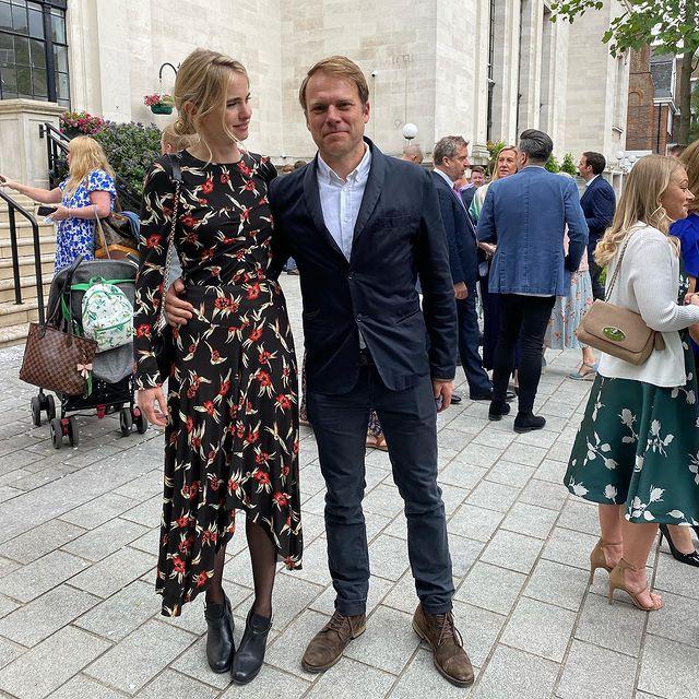 Love wins 💍💒 @matthennell and I out yesterday celebrating @lrobbo14 @barney0034 #wedding #celebratinglove❤️ #loveyouguys❤️ I'm wearing my #secondhandfashion @isabelmarant dress ♻️