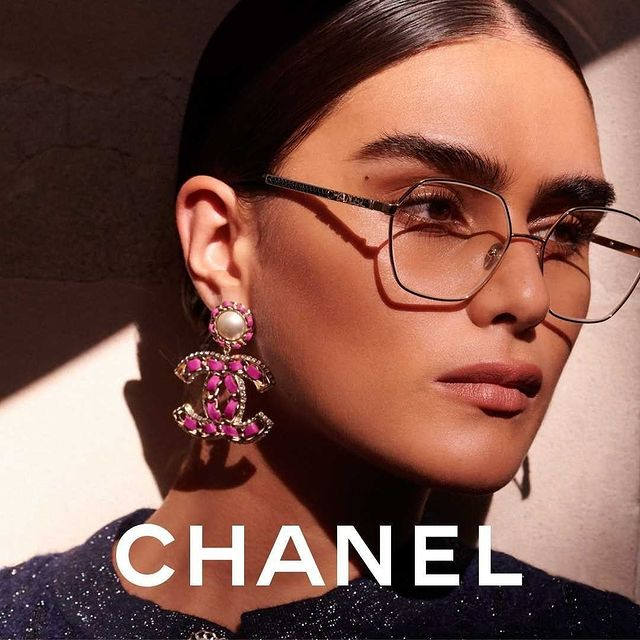🖤 CHANEL 🖤 Our beautiful Jill - @jilla.tequila - in her latest campaign for @chanelofficial #MiLKCurve  . . @chanelofficial @oliverhadleepearch
