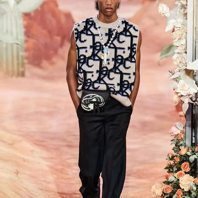 CHRISTIAN DIOR DIOR 🚶🏾🚀  @dior  x @cactusjack 🌵  what a show!!!! it was a pleasure for me to be in this show!!!aaaaaaaaa we did it!!! Thanks y'all  @justmodelslisbon  @newmadisonmodels