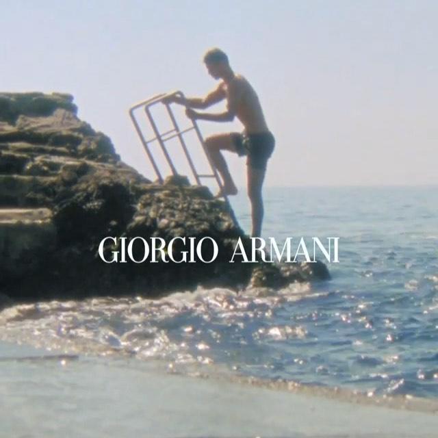 summer with @giorgioarmani . #seaview#genova#giorgioarmani#summer#italy#jump