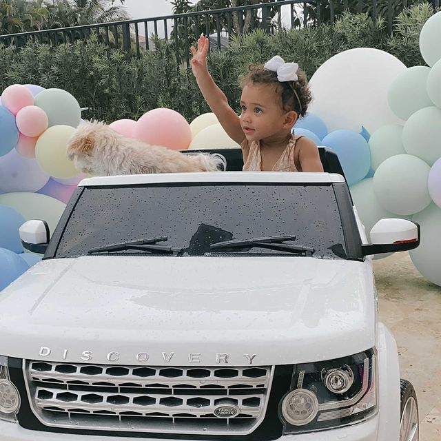 """""""get in loser, we're going shopping"""" 😆 safe to say harper thoroughly enjoyed her birthday #firstbirthday #newwhip"""