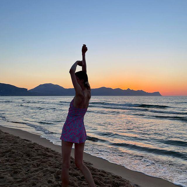 ок    👽🛸🌞   #tb #tbt #sicily #italy #sea #sunset #sunsets #beach #beachphotos #dancing #model #modellife #traveldiaries #traveler #traveltheworld #traveling #whatever  