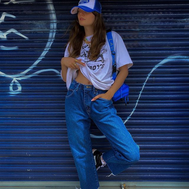 AD 🦋 @nastygal & @endlesslyloveclub sent me a couple of pieces from their first more sustainable range called 'All Things Considered'   This drop includes everything from reworked vintage, denim made with cotton, and fabrics made with recycled materials. 💙👖💙   #nastygalsdoitbetter