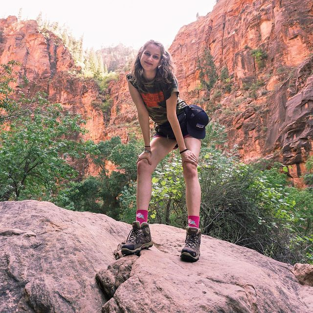 Utah Road Trip Day 1 Las Vegas-Zion National Park   Such a fun adventure so far! Zion was a beautiful park and I definitely recommend the narrows hike if you have the time 😊 Afterwards we stopped at a restaurant outside of the park that had the largest portion of nachos! We then took the journey to our Airbnb which was about an hour away but the morning views make it worth it 😍