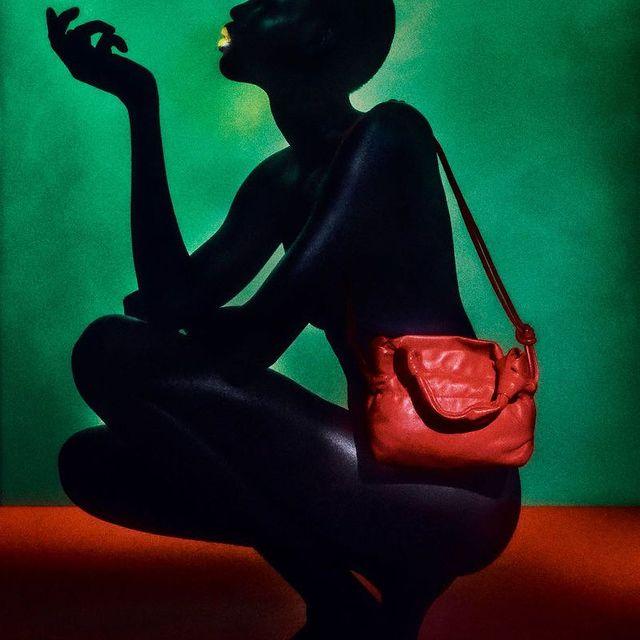 🖤 ZARA 🖤 Akuol (@akuoldengatem ) in her latest campaign for @zara #MiLKImage  . . . Set Design by @thomaspetherick Shot by @elizavetaporodina Make Up by @lucyjbridge Nails by @sylviemacmillan.nails @hacovosalbador @kiyokoodo