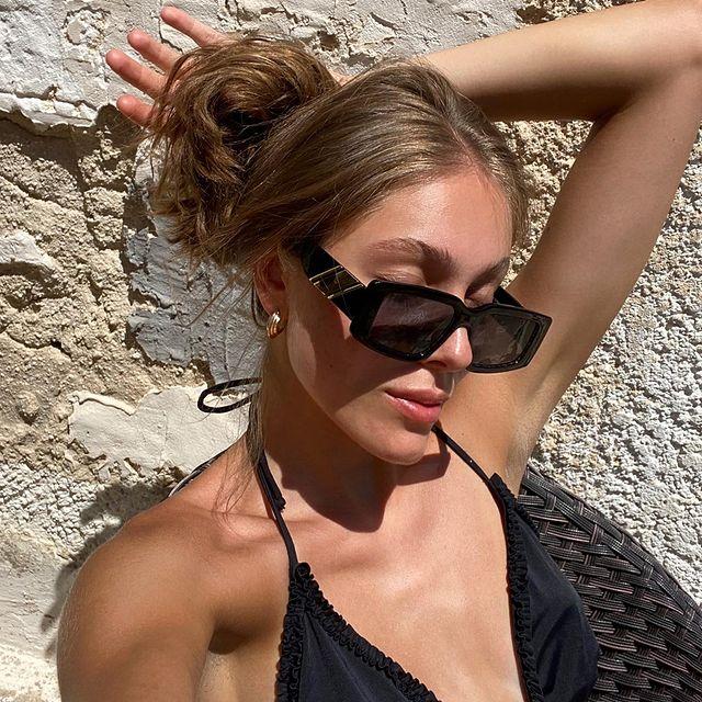 getting my tan back again, ihh life's good  . . .  #lookinspiration  #currentlywearing #demode #fashioncontent  #hairinstagram #todaystyle #benakd #fashionreels #aboutalookbook #discoverfashion #fffemales #greeceislands #everybodyinplt #stylelookbook #greecetravel #styleinspirations #layersonlayers #femfeed #modelsearch #stylereel #nakd2million #bershkastyle #seasontrends #discoverunder5k #entrepreneurmind  #iosgreece #gratitude #vintagepieces