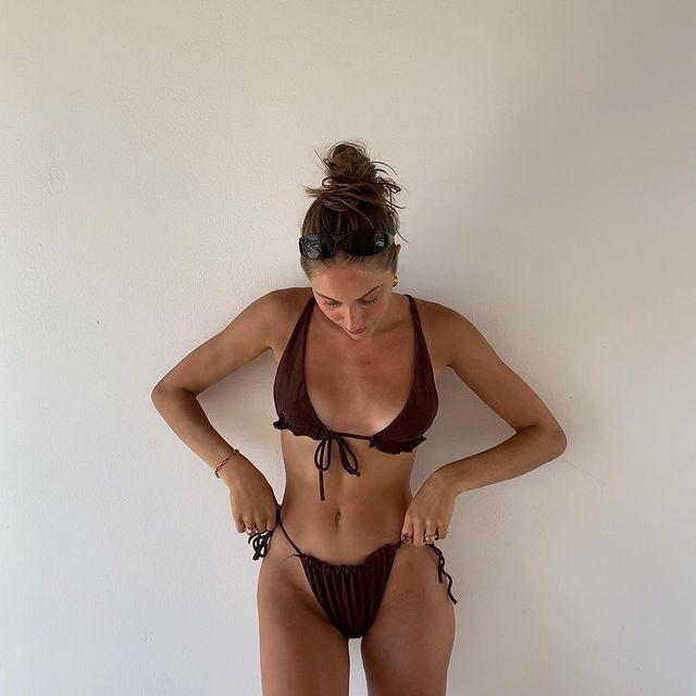 I'll make sure to take some evening fit pics too, anyways happy little bean'  . . .  #lookinspiration  #currentlywearing #demode #fashioncontent  #hairinstagram #todaystyle #benakd #fashionreels #aboutalookbook #discoverfashion #fffemales #greeceislands #iosisland #stylelookbook #greecetravel #styleinspirations #layersonlayers #femfeed #modelsearch #islandstyle #nakd2million #bershkastyle #seasontrends #discoverunder5k #entrepreneurmind  #iosgreece #gratitude #vintagepieces