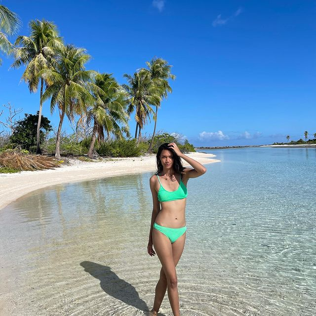 For my last day in Rangiroa, I went to reef islands. It was my favorite day because I saw dolphins 🐬, Bénitiers, Murènes, Sharks 🦈 and a lot of fish 🐠 🐟.   Thank you people of Rangiroa. Maururu à la pension Punua et Moana de m'avoir si bien accueilli. J'ai pu profiter de chaque instant et j'ai enfin récupérer mon bronzage😍❤️  #rangiroa #pensionpunuaetmoana #coraux #plage #2021 #holidays