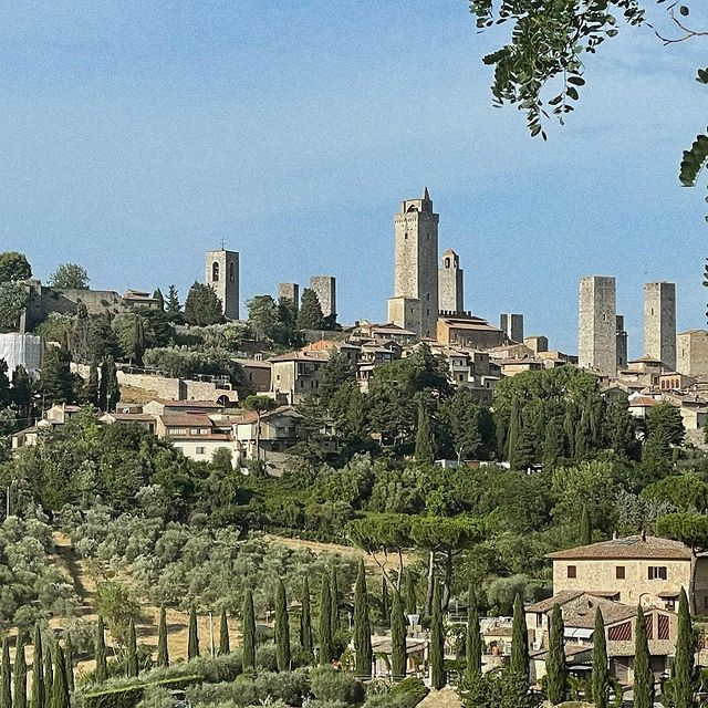 Medieval 🏰 hill town 🇮🇹 #sangimignano